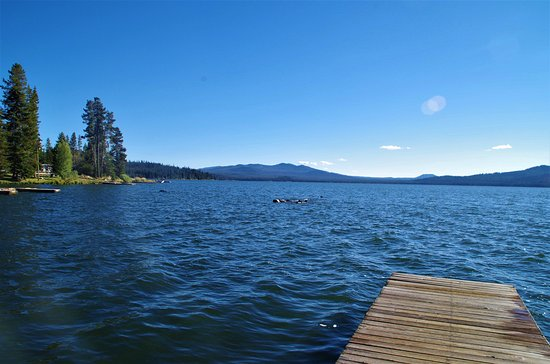 Diamond Lake, OR: view from the dock