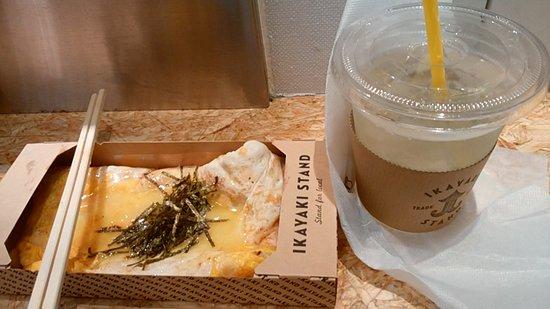 Ikayaki Stand Kyoto Heian: コーンバター醤油400円とキウイ酵素ソーダ400円