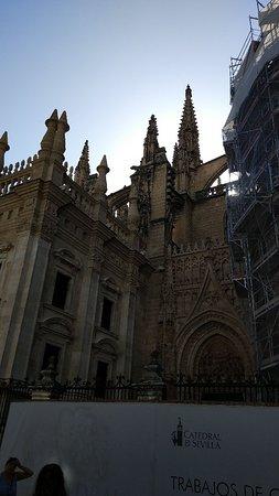 Kathedrale von Sevilla (Santa María de la Sede): SAVE_20180923_073600_large.jpg