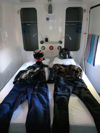 Saint-Michel-Chef-Chef, فرنسا: les motards au lit