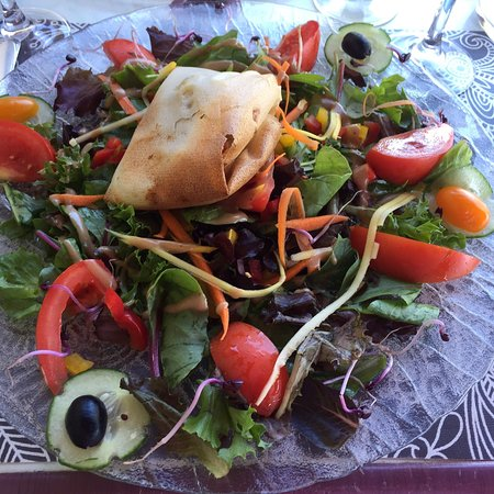 Bram, Γαλλία: Salade chevre, seiche grillé et café gourmand