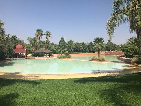 Oasiria Water Park: Deserted pool