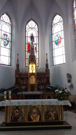 Cacica, Romênia: Chatolic church 3