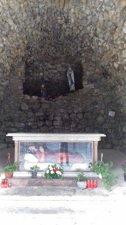 Cacica, Romênia: Chatolic church 5