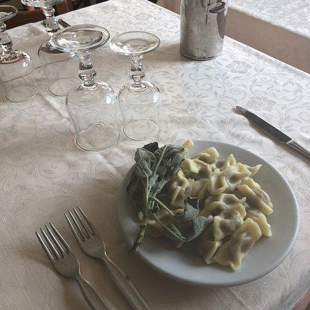 """Parre, Italië: """"Scarpinócc de Par"""" Una meraviglia per il palato! Prima volta nella Valle Seriana, un piccolo te"""