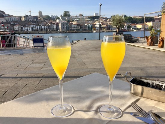 Pestana Vintage Porto: Brunch with view of Douro River