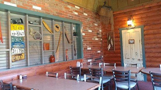McPherson, KS: Kansas Bar and Grill