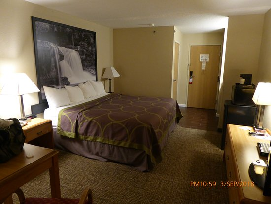 Remington, IN: Room View 1