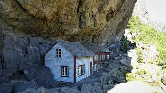 Sokndal Municipality, Norwegia: Husene ligger under fjellhammeren