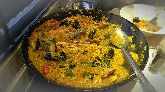 Gerpinnes, เบลเยียม: Paella aux crustacés pour deux bons mangeurs sur commande