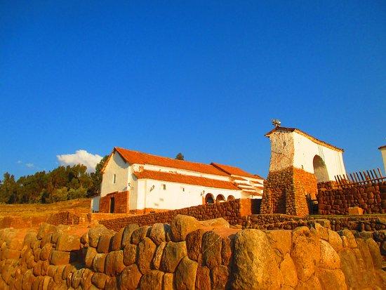 Iglesia Colonial de Chinchero