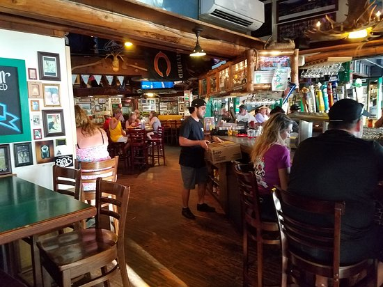Moose McGillycuddy's: View inside, bar on right