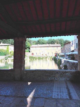 Terme Bagno Vignoni : La vista dal loggiato