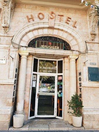 The Jerusalem Hostel: hotel from outside