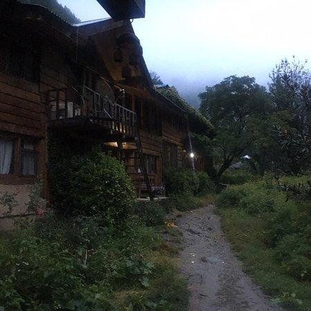 Raju Bharti's Guest House: photo0.jpg