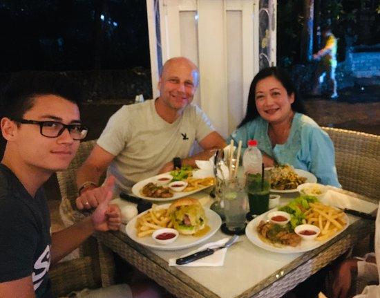 La Brasserie: Happy dinner with family