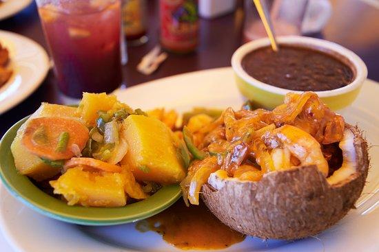 Iguana Joe's Caribbean Bar & Grill: Mango Shrimp