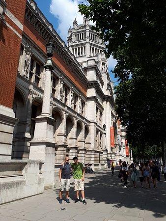 South Kensington: V&A