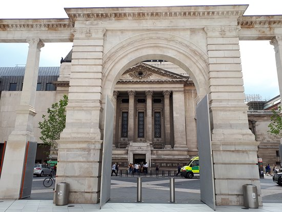 South Kensington: lateral do Science Museum