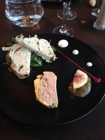 Villes-sur-Auzon, France: Foie gras avec pain aux figues