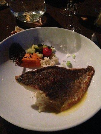 Restaurant la Ferme du Pezet: Dorade accompagnée de riz et légumes