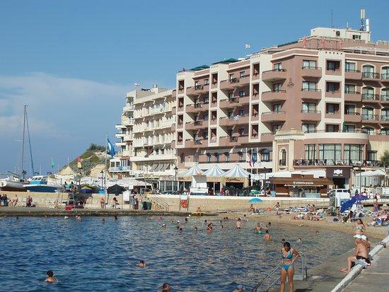 Gelateria Granola: Close to the Harbour