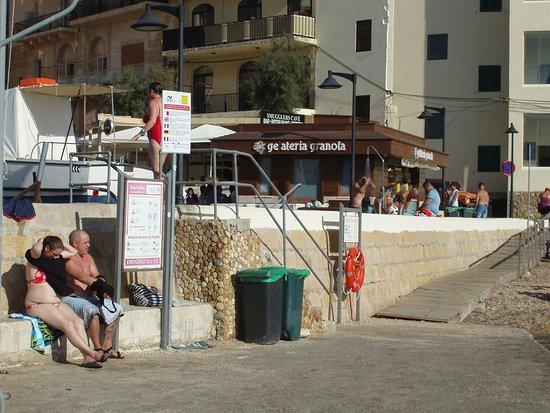 Gelateria Granola: Close to the Beach