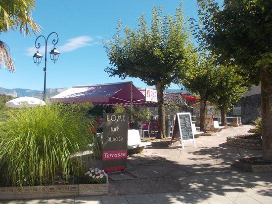 Saint-Nazaire-en-Royans, França: En terrasse c'est encore mieux!