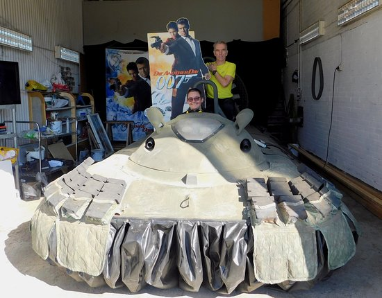 Nybro, Swedia: Riding the hovercraft with museum owner James Bond Gunnar Schäfer.