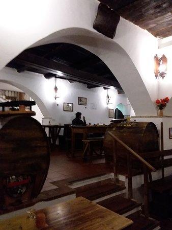 La Cantina Del Marchese: Sala principale
