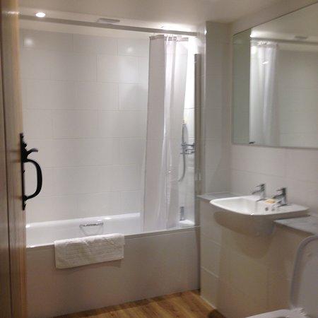 Barton's Mill: Bathroom Room 2