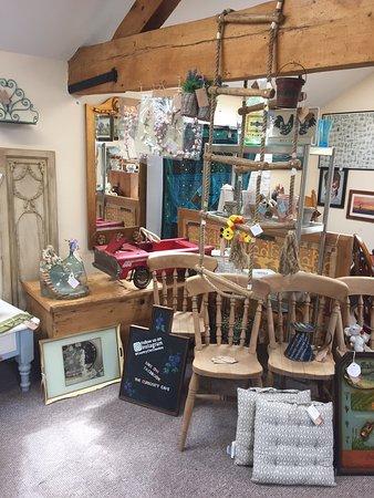 Applegates Antiques & Crafts
