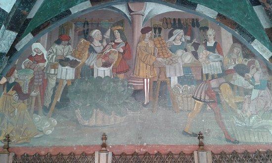Issogne, Italië: Uno dei meravigliosi affreschi