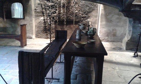 Issogne, Italy: Un altro tavolo