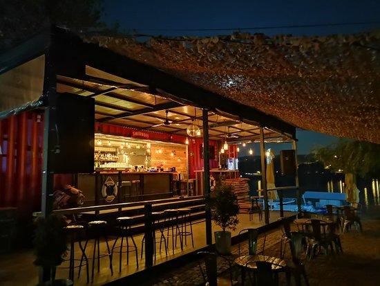 Novi Sad, Serbien: Discont Bar