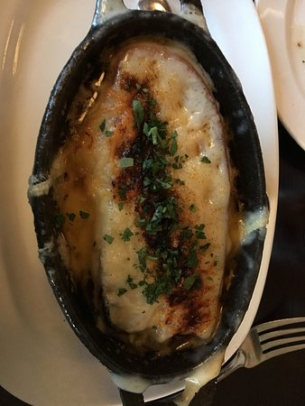 Roselle, IL: French onion soup