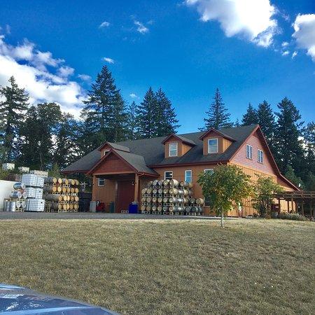 Winter's Hill Estate: photo5.jpg