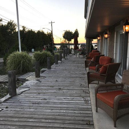 Bruce Anchor Motel and Cottage Rentals: photo0.jpg