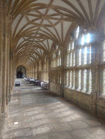 Wells Cathedral: Cloisters. An inspiration for Hogwarts?