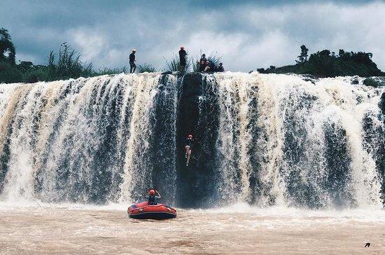 Rafting en aguas bravas de día...