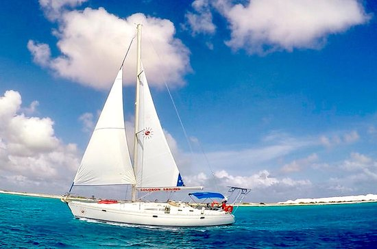SoloBon Private Sail & Snorkel