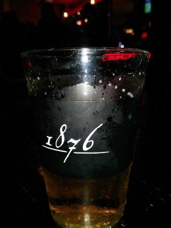 1876 Bar And Restaurant: クラフトビール