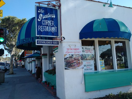 Greeter's Corner Restaurant: Exterior of Greeters Corner restaurant in Laguna Beach, CA