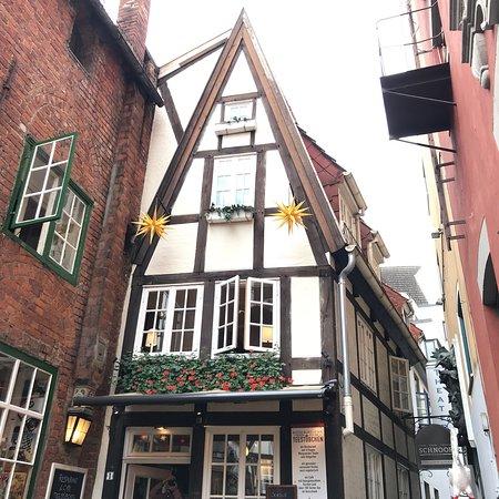 Teestuebchen im Schnoor: Bremen'e gelince mutlaka bu küçük sokakta burada oturun ve mis gibi ekmekleriyle, binbir çeşit ç