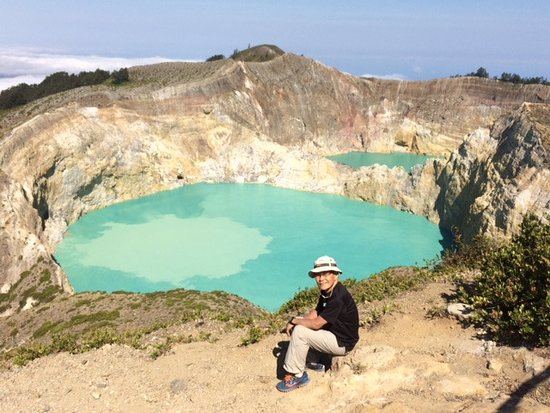 Mount Kelimutu: The colour of the lake is changing again!