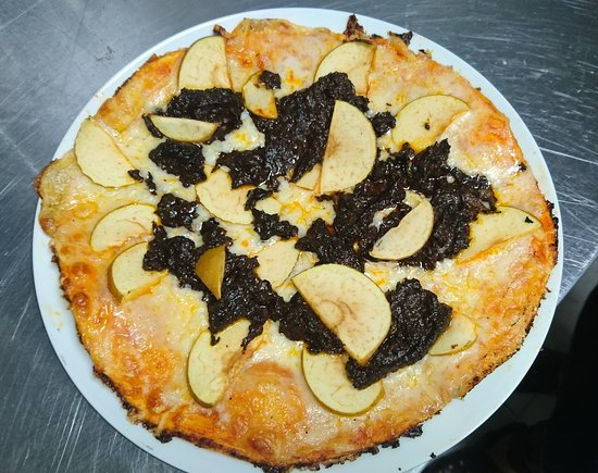 Valverde de la Virgen, Spain: Pizza de morcilla y manzana reineta