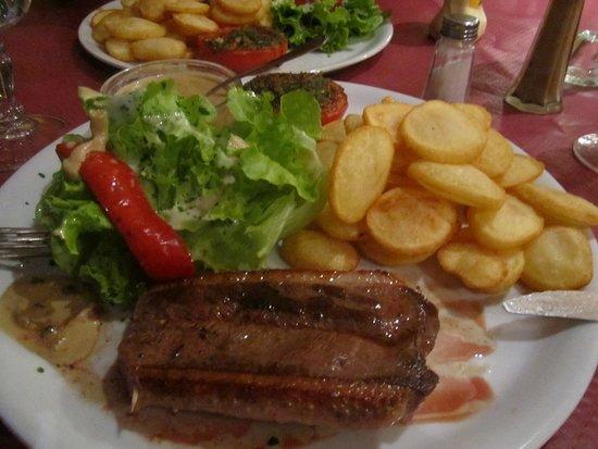 Degagnac, فرنسا: heerlijke magret de canard !