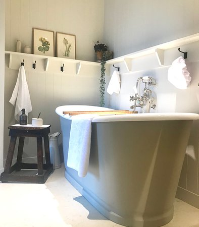 Hampshire, UK: Insta worthy bathrooms