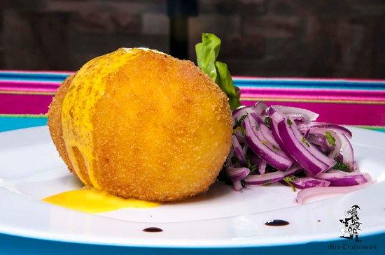 Restaurante Peruano Mis Tradiciones: PAPA RELLENA