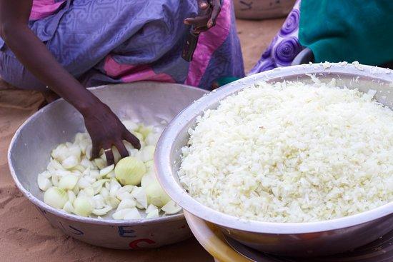 Mar Lodj, Senegal: Cada dia podreis encargar a nuestra cocinera la comida y la cena. Bismilahi!